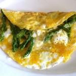 Omelett mit Ziegenfrischkäse und Spargelspitzen