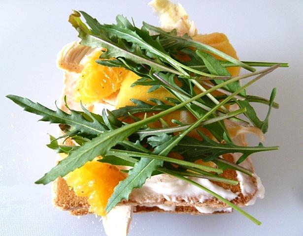 Hühnchen-Mango Clubsandwich