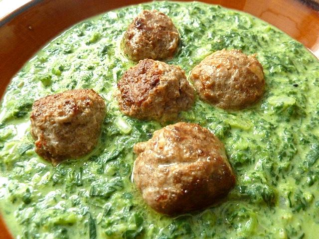 Indische Lammhackbällchen mit Spinat