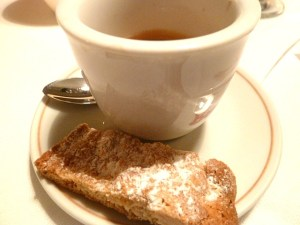 Kaffee und Biscotti