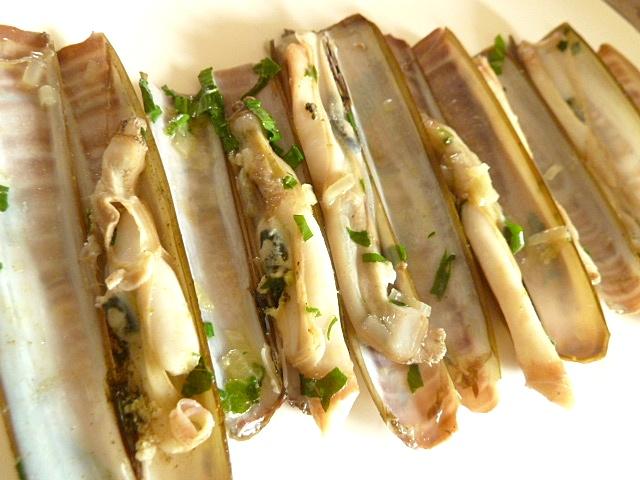Messermuscheln mit Bärlauch und Petersilie