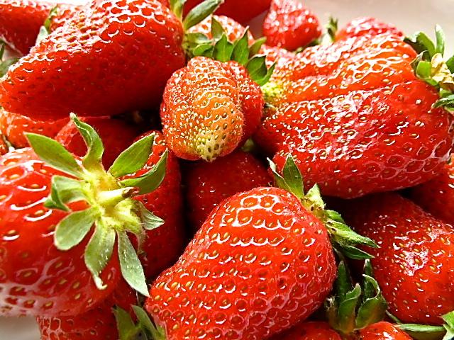 Milchreis mit Rhabarber-Erdbeer-Kompott