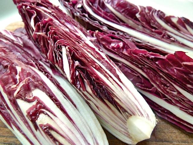 Carne cruda vom Rehlachs zu Radicchio Trevisano