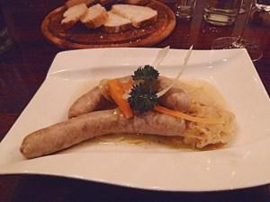 Blaue Zipfel auf Riesling-Sauerkraut