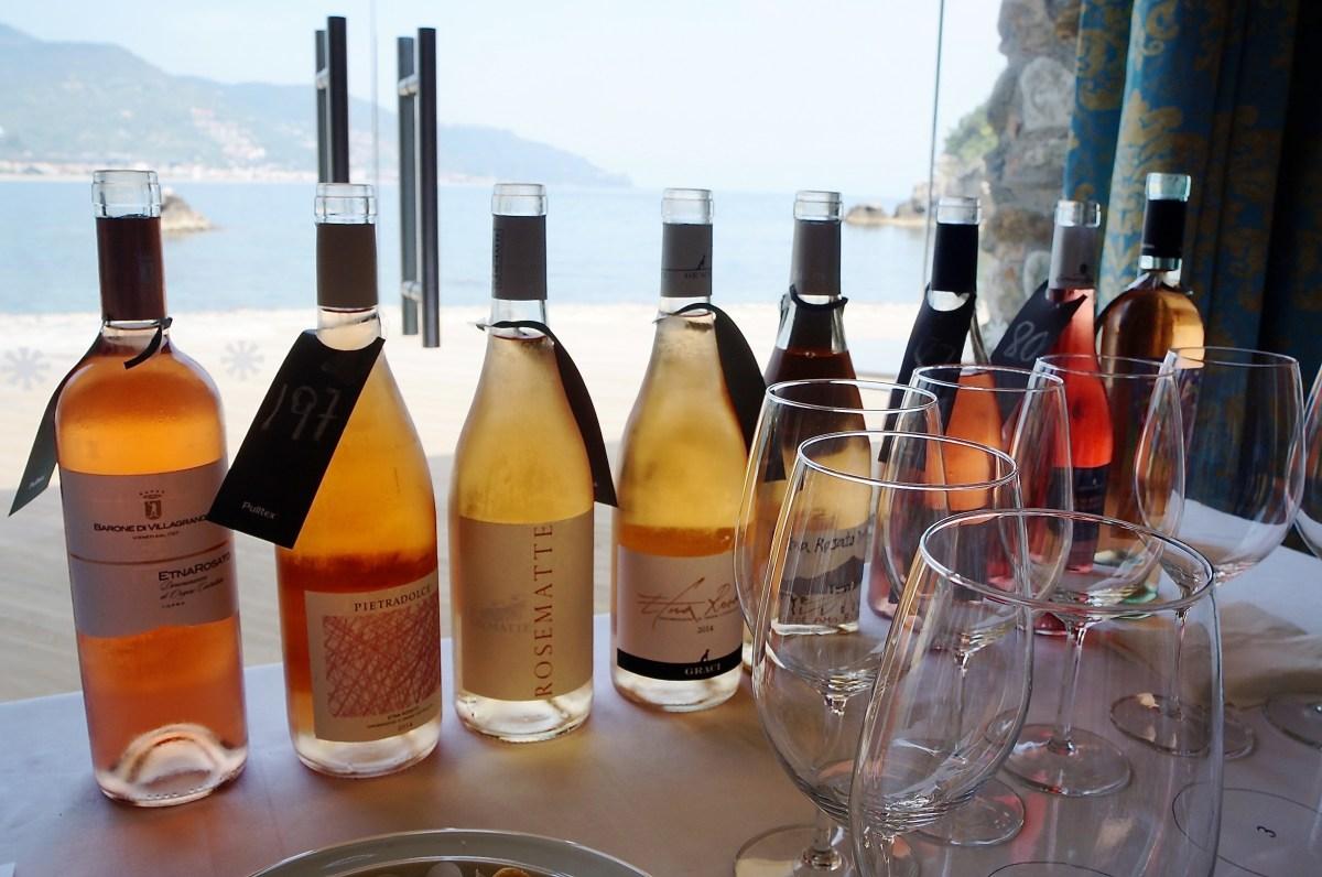Weinprobe im Sommelier-Raum