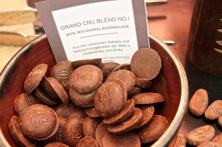 gab es aus feinsten Schokoladen ein Schokosorbet im Hörnchen