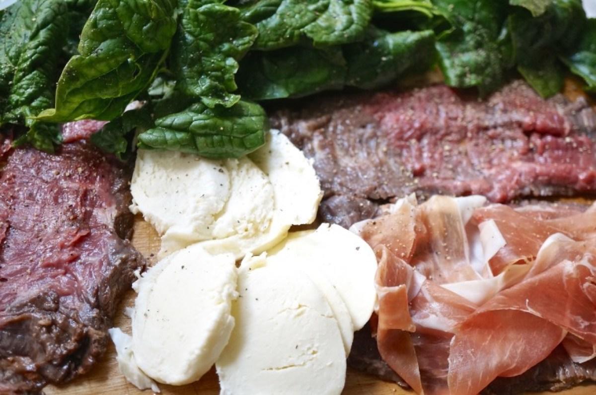 Zutaten zurecht legen und Fleisch aufschneiden