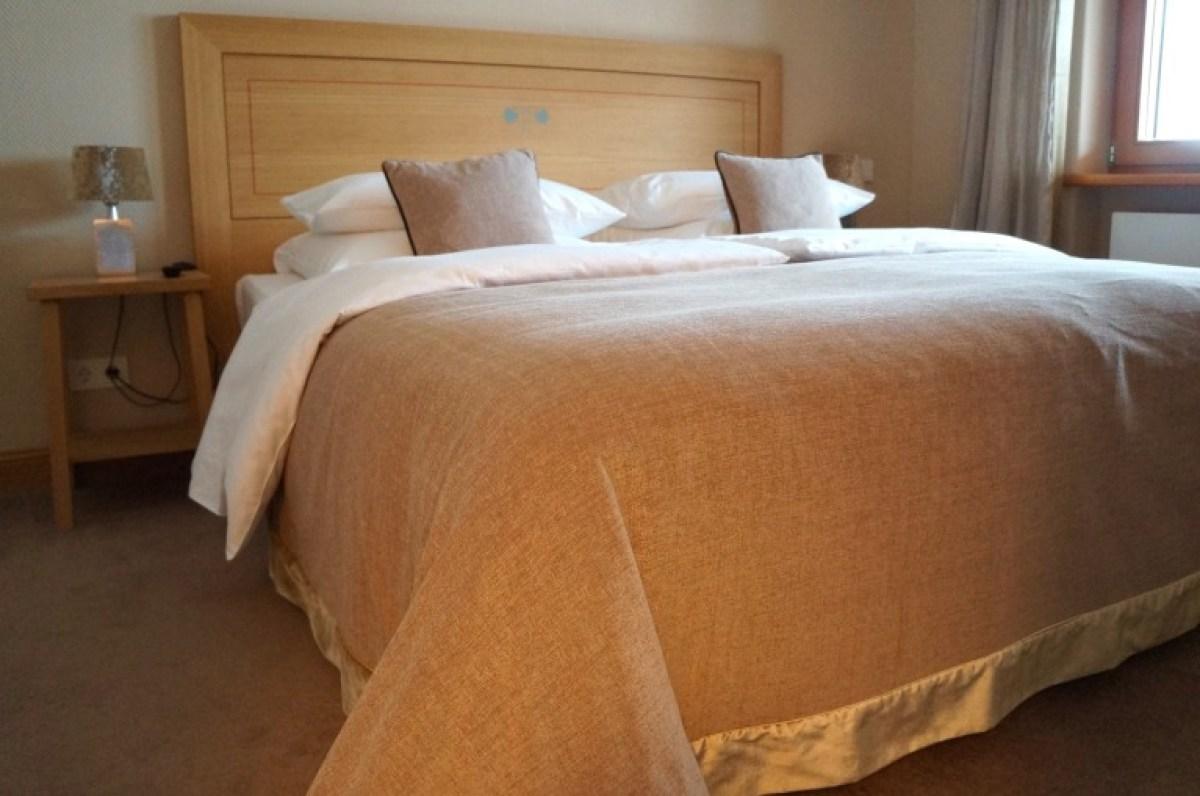 und Schlafzimmer