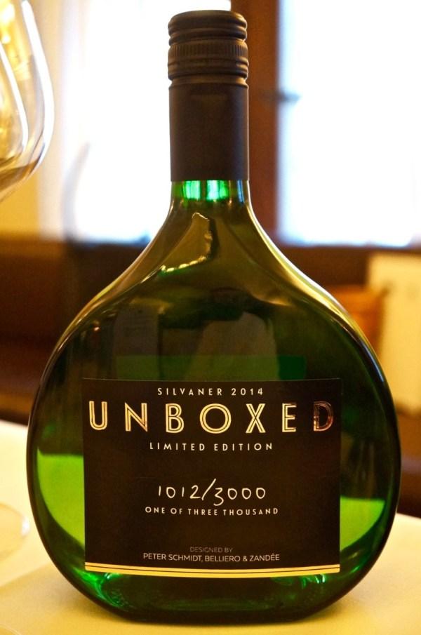 Boxbeutel in modernisierter Flasche