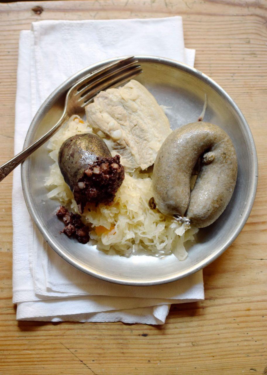 Wellfleisch, Blut- und Leberwurst mit Sauerkraut
