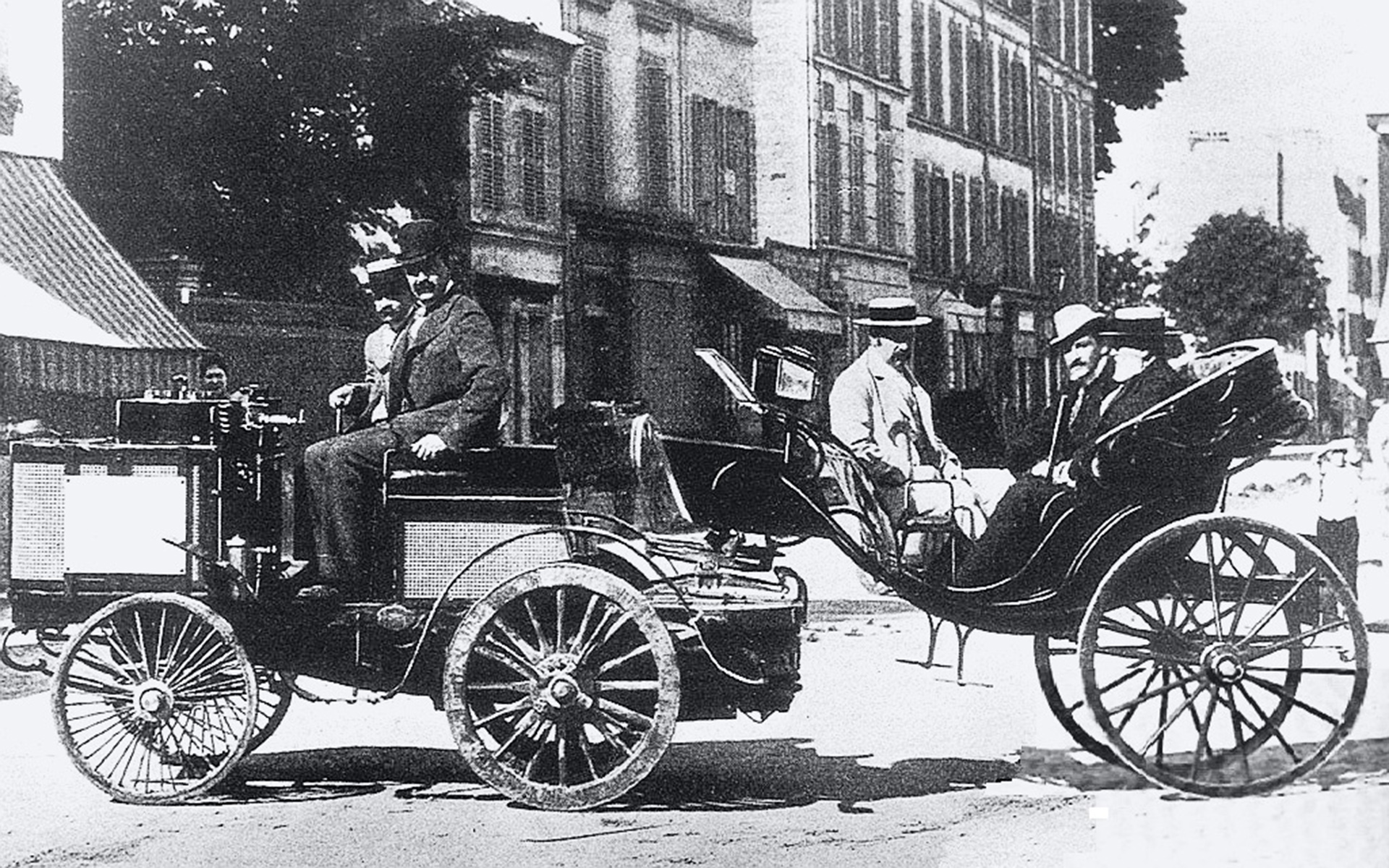 Dampfwagen in Paris