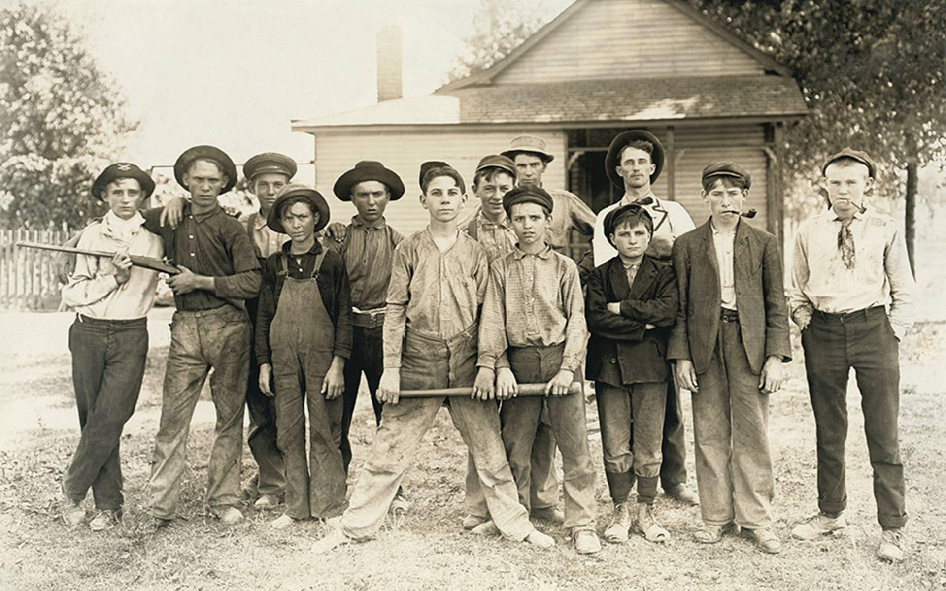 Jugendliche aus 1900