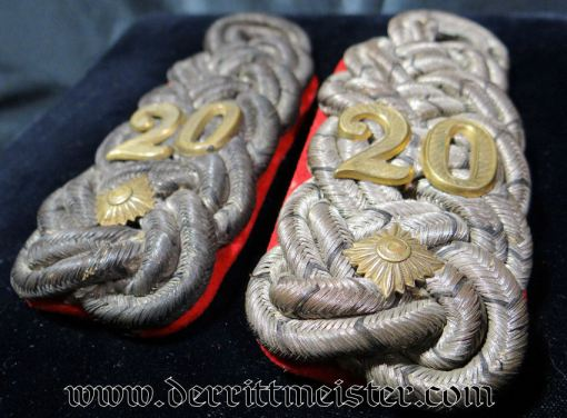 PRUSSIA - SHOULDER BOARDS - OBERST - INFANTERIE-REGIMENT Nr 20 - Imperial German Military Antiques Sale