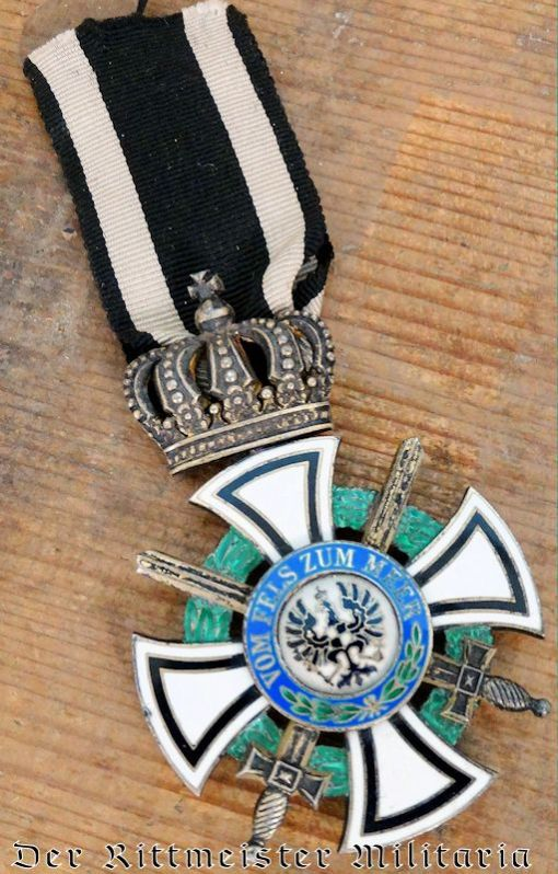 KNIGHT'S CROSS WITH SWORDS OF THE HOHENZOLLERN HOUSE ORDER - PRUSSIA. - Imperial German Military Antiques Sale