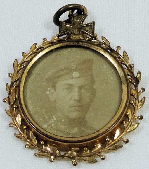 PATRIOTIC PENDANT -WW I ENLISTED MAN WITH IRON CROSS - Imperial German Military Antiques Sale