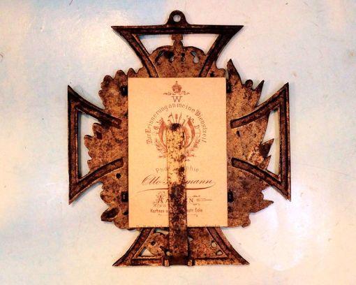 IRON CROSS - PATRIOTIC METAL FRAME - Imperial German Military Antiques Sale
