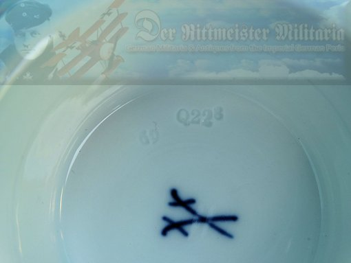 SAXONY - VASE - WITH KRIEGSFLAGGE - DATED 1914-1916 - MEISSEN - Imperial German Military Antiques Sale