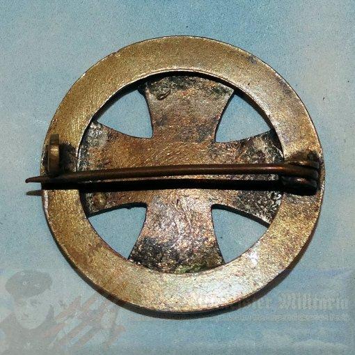 GERMANY - PATRIOTIC PIN - IRON CROSS