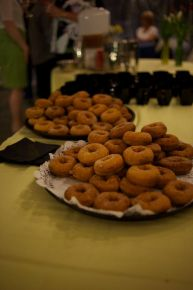 Indian Ladder Farms warm cider doughnuts