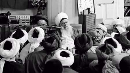 Shaykh Nazim giving sohbet