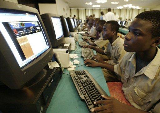 Vielen afrikanischen Staaten hat das Internet u.a. technisches Wissen vermittelt, womit man sich selber versorgen und effektiver arbeiten und produzieren konnte.
