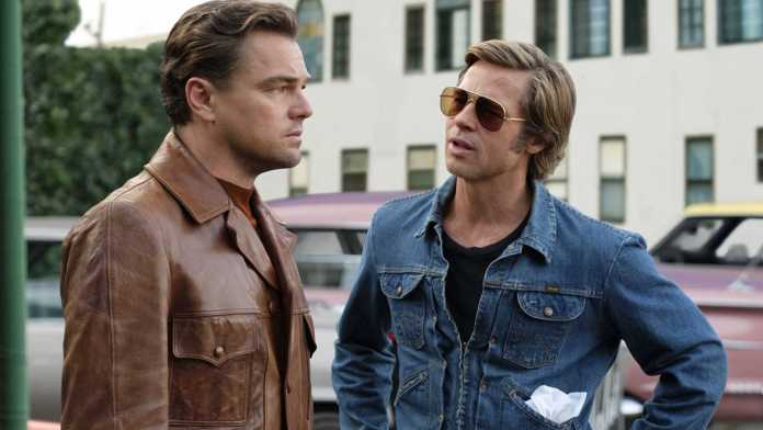 Leonardo Di Caprio e Brad Pitt in C'era una volta a... Hollywood