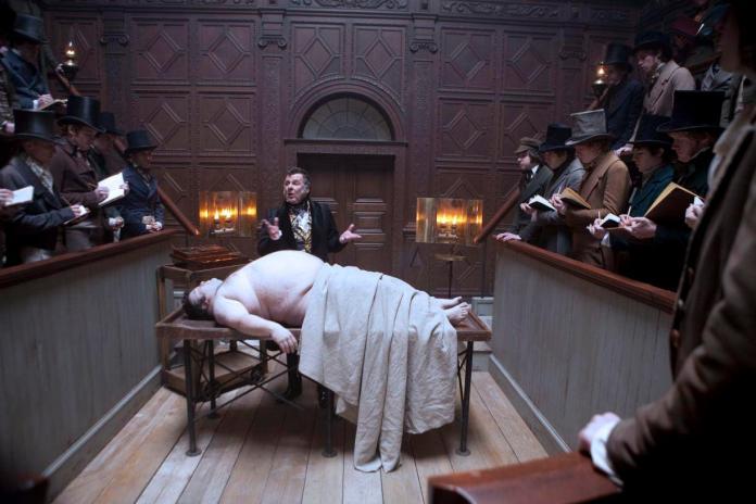 Burke & Hare, Ladri di cadaveri, è un film del 2010 diretto da John Landis e tratto dalla vera storia dei due serial killer William Burke e William Hare.