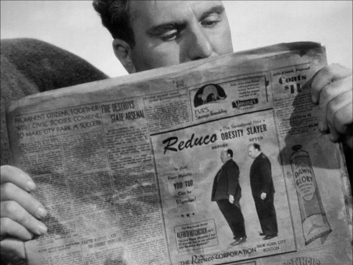 Dieci camei di Alfred Hitchcock. In Lifeboat (Prigionieri dell'oceano), compare come pubblicità su un giornale.