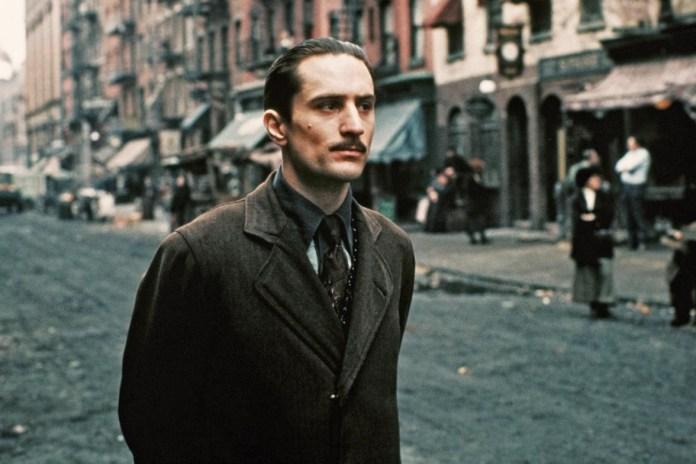Dieci classici ambientati a New York. Il padrino - Parte II è il secondo capitolo della trilogia diretta da Francis Ford Coppola, che ci riporta indietro nella New York dei primi del '900.