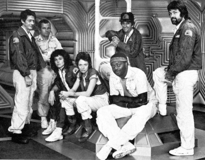Il cast di Alien (1979) è composto da Sigourney Weaver, Tom Skerrit, Yapet Kotto, Veronica Cartwright, Ian Holm, Harry Dean Stanton e John Hurt.