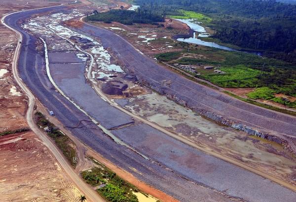 Canal de desvio das água do rio Xingu em Belo Monte