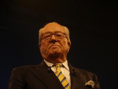 Le Pen. fraude fiscal e declaraçoes falsas.