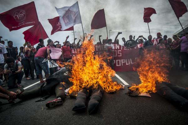 Protestos e barricadas do MTST em 18 03 2015