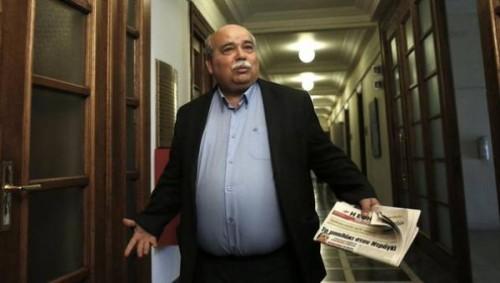 Ministro do Interior Nikos Voutsis. Foto @volkskrant