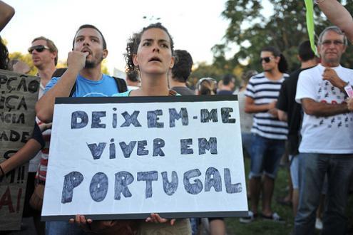 Financial Times: Austeridade empurrou Portugal para crise demográfica