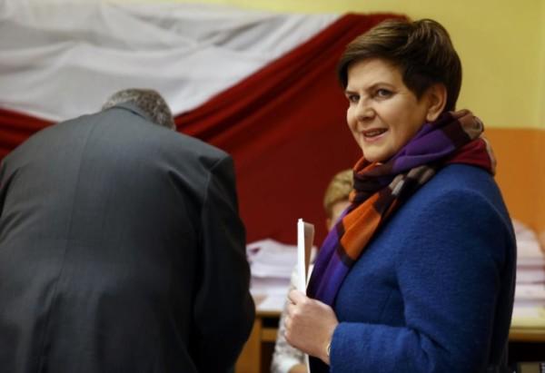 Nacionalistas eurocéticos vencem eleições na Polônia