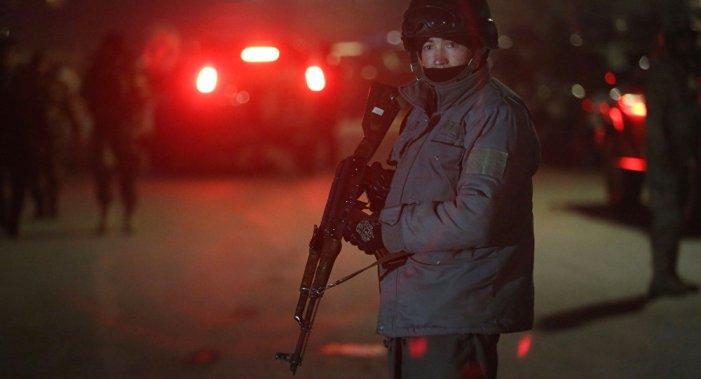 Explosão e tiroteios ocorrem perto de consulados da Índia e Paquistão em Jalalabad