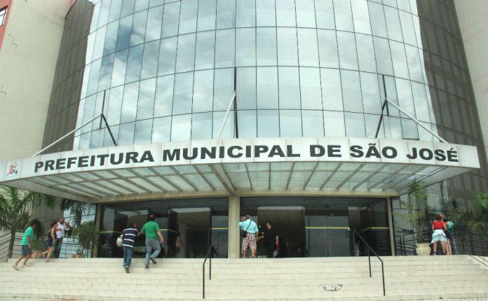 Atendimento aos contribuintes de São José foto Marcio Papa DESACATO 2