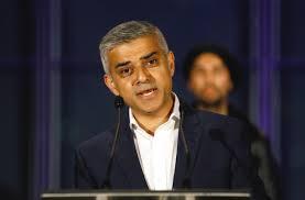 Toma posse o primeiro prefeito muçulmano de Londres