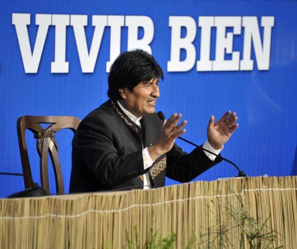 """Evo Morales e as experiências político-ambientais do """"Vivir Bien"""""""