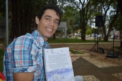 Eliezer Antunes de Oliveira irá expor suas poesias segunda-feira, 03 de outubro.