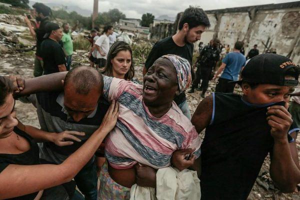 Remoção violenta da PM carioca em ocupação no Complexo do Alemão