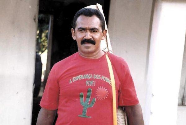 Comunidade homenageia líder camponês assassinado na Bahia