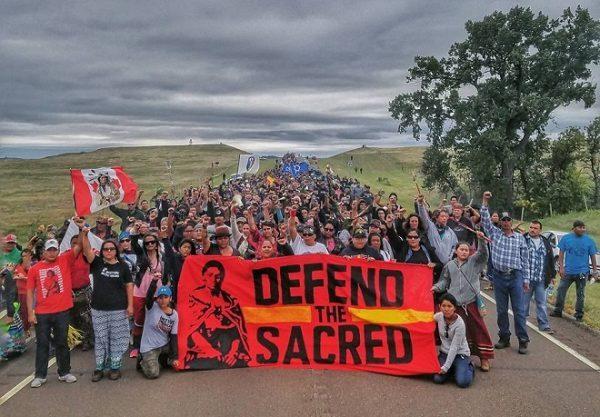 EUA: em vitória para indígenas, exército nega permissão para trecho de oleoduto na Dakota do Norte