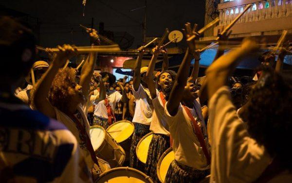 Desfile do Bloco do Beco, do Jd. São Luiz, zona sul de São Paulo, no dia 6 de fevereiro