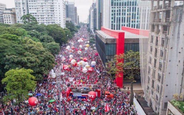 Mobilização na Avenida Paulista no dia 15 de março (Foto: Ricardo Stuckert)