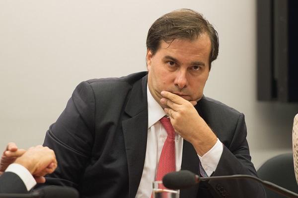 O presidente da Comissão Especial da Câmara sobre a reforma política, deputado Rodrigo Maia, durante reunião da comissão ( Marcelo Camargo/Agência Brasil)