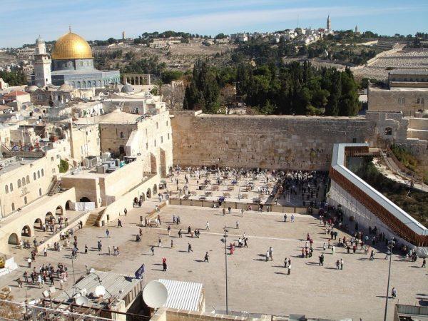 A Esplanada doMuro das Lamentaçõeshoje em dia, o principal ponto turístico de Israel