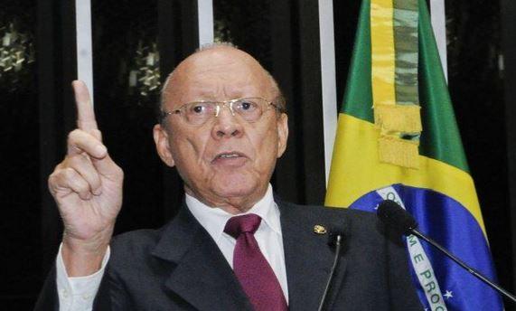 Presidente do Conselho de Ética que livrou Aécio aceita denúncia contra senadoras