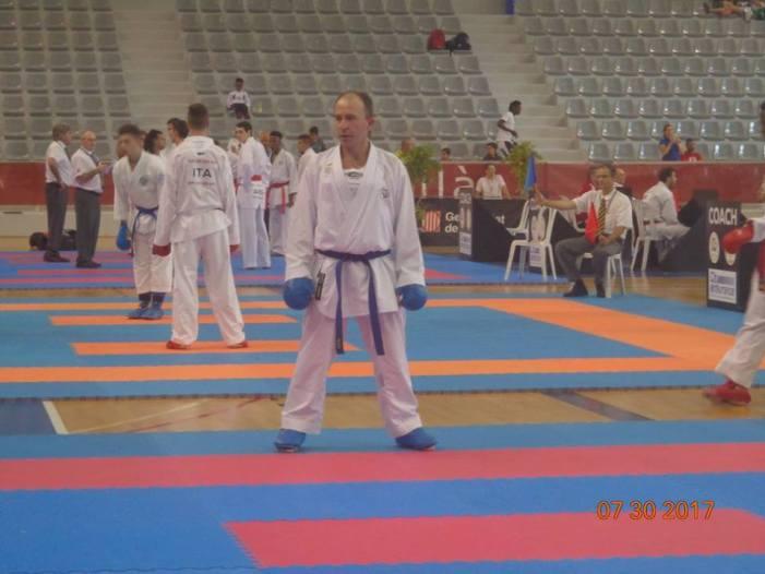 Atleta Fraiburguense representa o município e o Brasil em Mundial do Karatê-dô de Barcelona